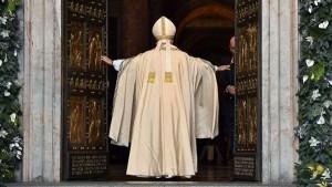 El Papa Francisco abre La Puerta Santa Año de La Misericordia Divina