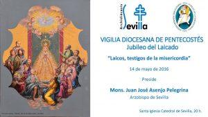 La información de la vigilia ha sido ilustrada este año con el medallón central del nuevo manto de la Virgen del Rocío de la Hermandad de la Redención.